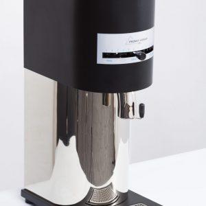 Com capacidade para moer de 250 a 500kg/h, o Moinho M-500 é ideal para quem busca produção em larga escala