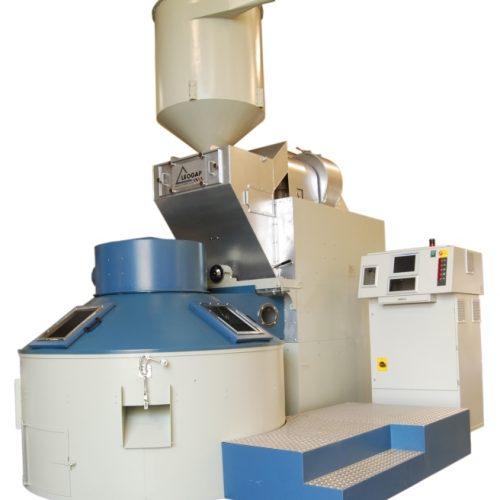 Com dois modelos distintos, a linha de torradores Econoflex possui estrutura compacta e capacidade de carga para gerar até 7 sacas de café.